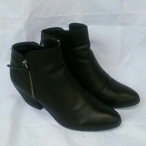 Frye Black leather ankle boot bottles size 7